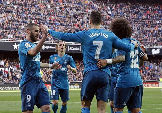 BBC tái xuất, Real Madrid đại thắng ở Mestalla - Ảnh 6.