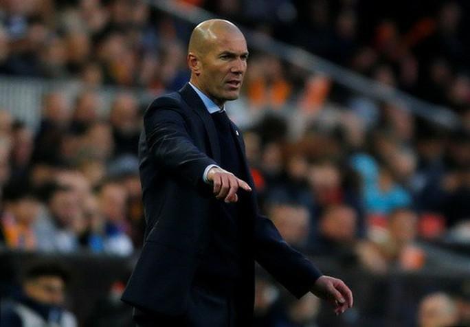 BBC tái xuất, Real Madrid đại thắng ở Mestalla - Ảnh 2.