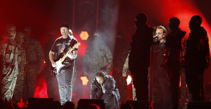Grammy 2018: Bruno Mars gom hết giải quan trọng! - Ảnh 1.
