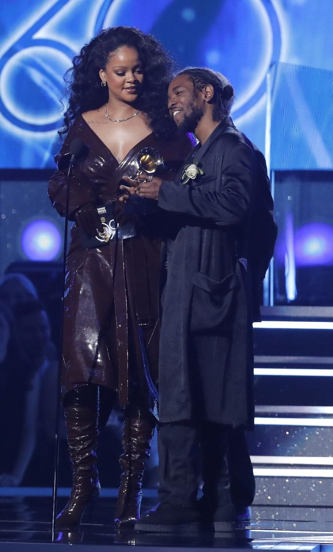 Grammy 2018: Bruno Mars gom hết giải quan trọng! - Ảnh 20.