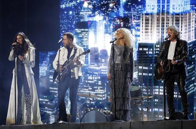 Grammy 2018: Bruno Mars gom hết giải quan trọng! - Ảnh 5.