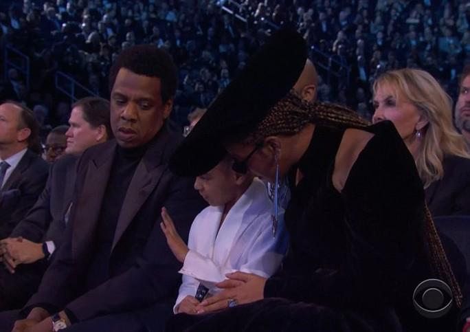 Con gái vợ chồng Beyonce thu hút tại Grammy 2018 - Ảnh 4.