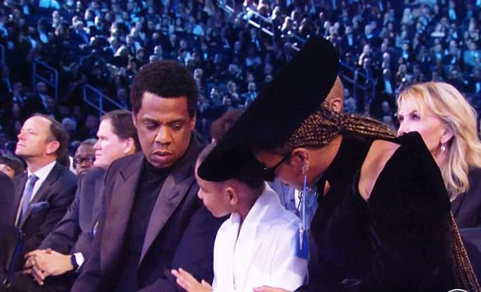 Con gái vợ chồng Beyonce thu hút tại Grammy 2018 - Ảnh 2.