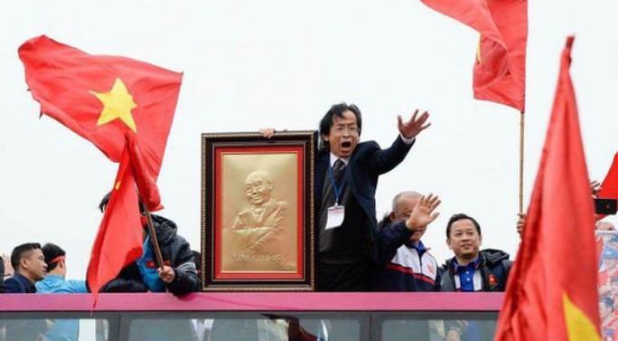 Ông Nguyễn Lân Trung nói gì về việc nhận vơ công trạng của U23 Việt Nam? - Ảnh 1.