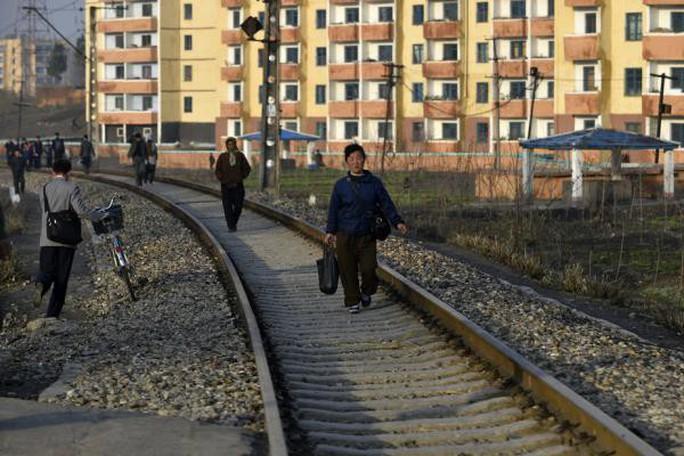 Dịch cúm bùng phát, Triều Tiên xin viện trợ nhân đạo - Ảnh 1.