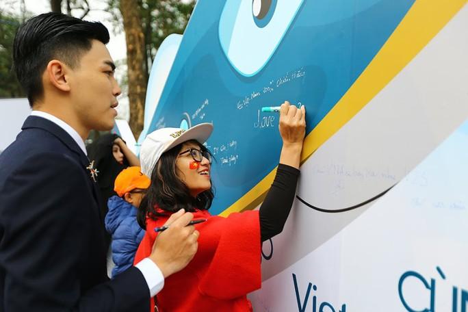 Không gian văn hoá cổ truyền được Vietnam Airlines tái tạo giữa lòng thủ đô - Ảnh 2.