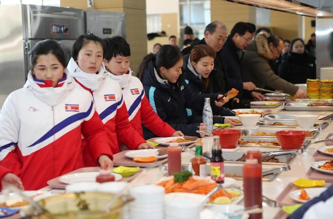 Triều Tiên đột ngột hủy sự kiện trên núi Kumgang với Hàn Quốc - Ảnh 1.