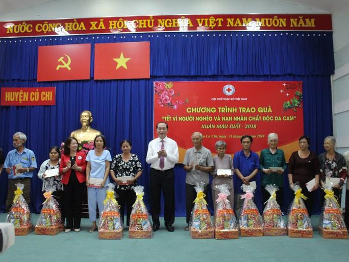 Chủ tịch nước Trần Đại Quang dâng hương liệt sĩ - Ảnh 4.