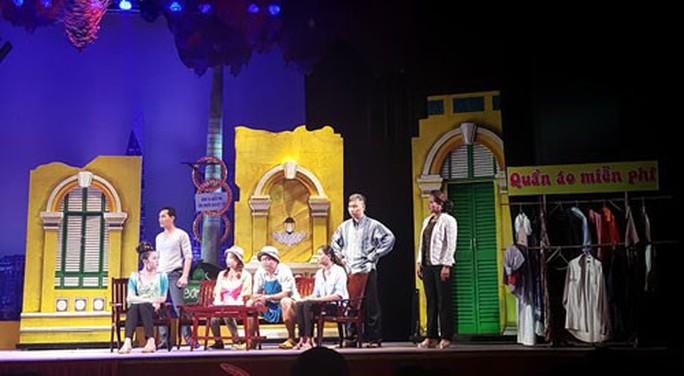 Vở Hẻm nhỏ Sài Gòn của Vương Huyền Cơ ra mắt khán giả - Ảnh 1.