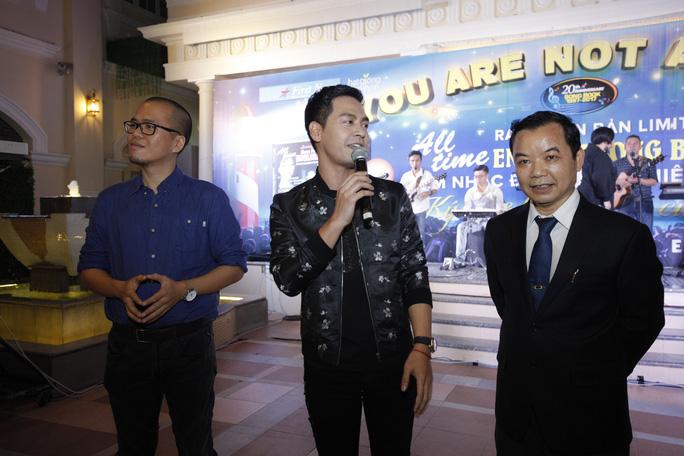 Nhạc sĩ Trần Tiến, MC Phan Anh bất ngờ chung hoài niệm - Ảnh 3.