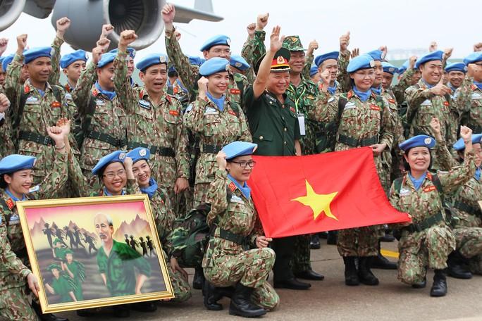 Những bóng hồng quân y Việt Nam sang châu Phi gìn giữ hòa bình - Ảnh 12.