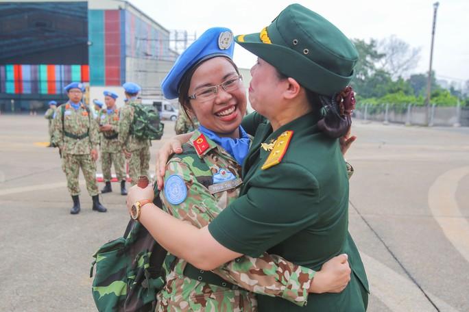 Những bóng hồng quân y Việt Nam sang châu Phi gìn giữ hòa bình - Ảnh 10.