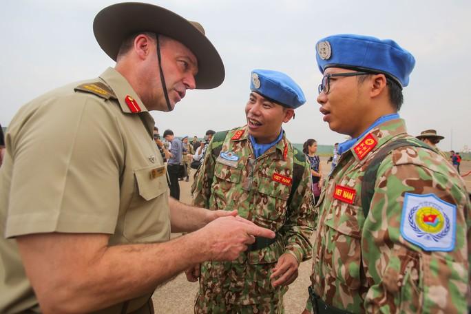 Những bóng hồng quân y Việt Nam sang châu Phi gìn giữ hòa bình - Ảnh 14.