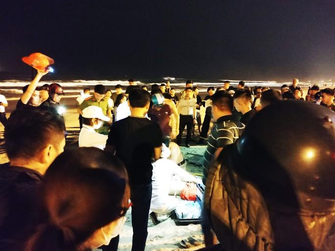 Tắm biển Đà Nẵng vào ban đêm, một du khách Trung Quốc tử vong - Ảnh 1.