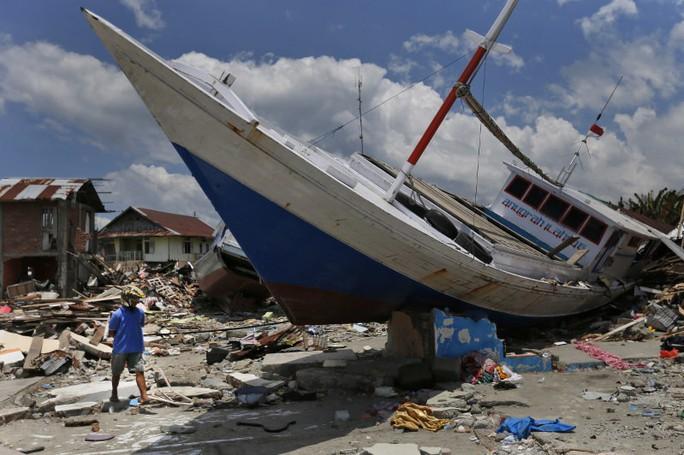 Sóng thần tấn công đảo của Indonesia cao tới 11 m - Ảnh 1.