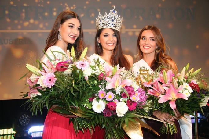 Hoa hậu Áo, đối thủ của Tiểu Vy bị tước vương miện - Ảnh 2.