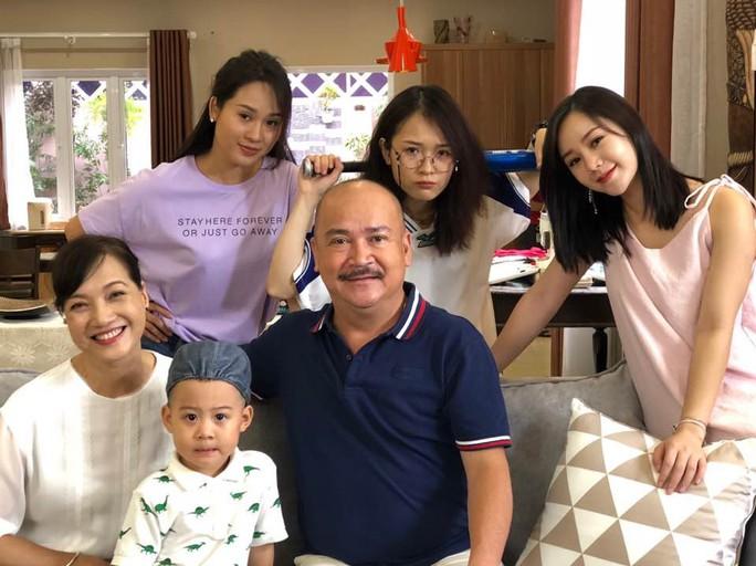Nghệ sĩ Hoàng Sơn mua trả góp nhẫn cưới - Ảnh 3.
