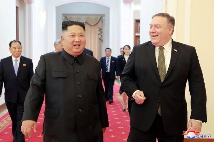 Ông Trump muốn mời ông Kim tới khu nghỉ dưỡng riêng - Ảnh 2.