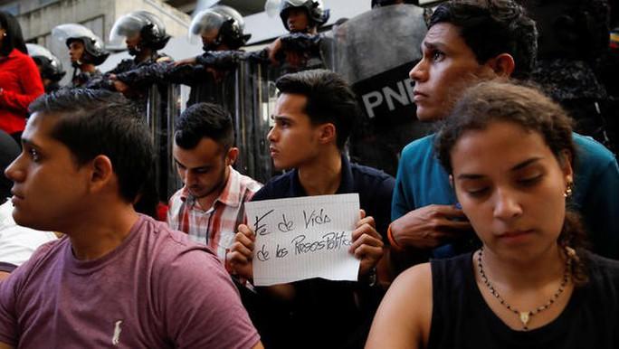 LHQ vào cuộc vụ chính khách đối lập Venezuela nhảy lầu 10 tự tử - Ảnh 2.