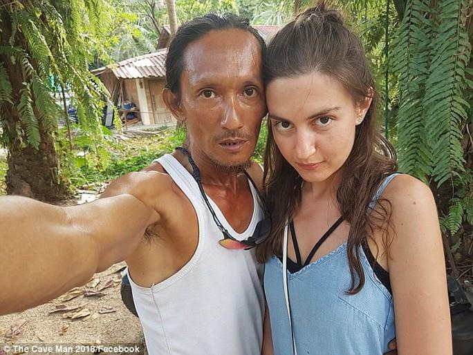 """Khoe chiến tích """"sát gái"""", """"người hang động"""" Thái Lan bị gặp vạ - Ảnh 2."""
