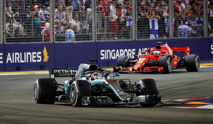 Hà Nội tổ chức đua xe F1: Bài học từ Singapore và Malaysia - Ảnh 1.