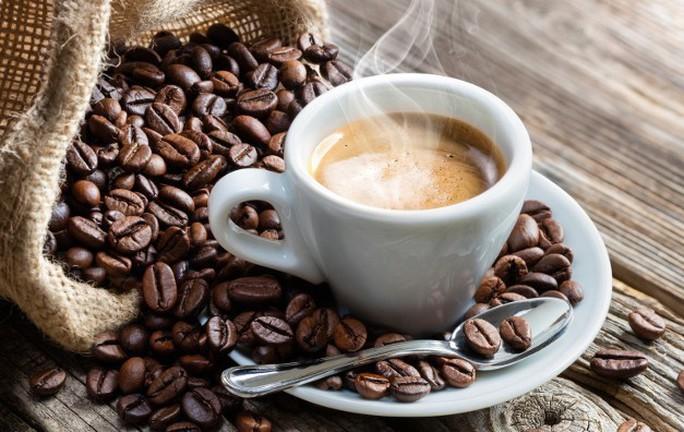 Hai tách cà phê có thể tạo điều kỳ diệu trên giường! - Ảnh 1.