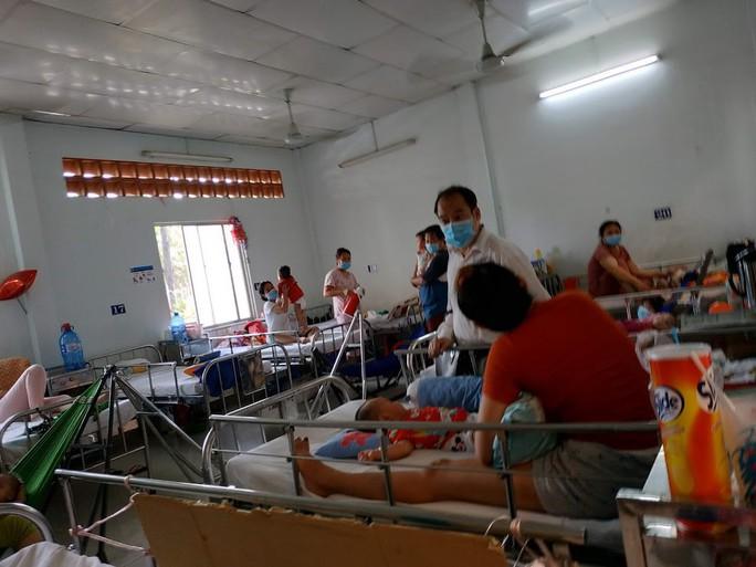 Bộ trưởng Bộ Y tế nhắc bài học cay đắng khi đến BV Nhi Đồng 2 - Ảnh 4.