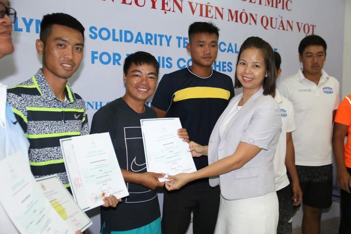 Giảng viên nước ngoài ấn tượng với HLV quần vợt Việt Nam - Ảnh 2.