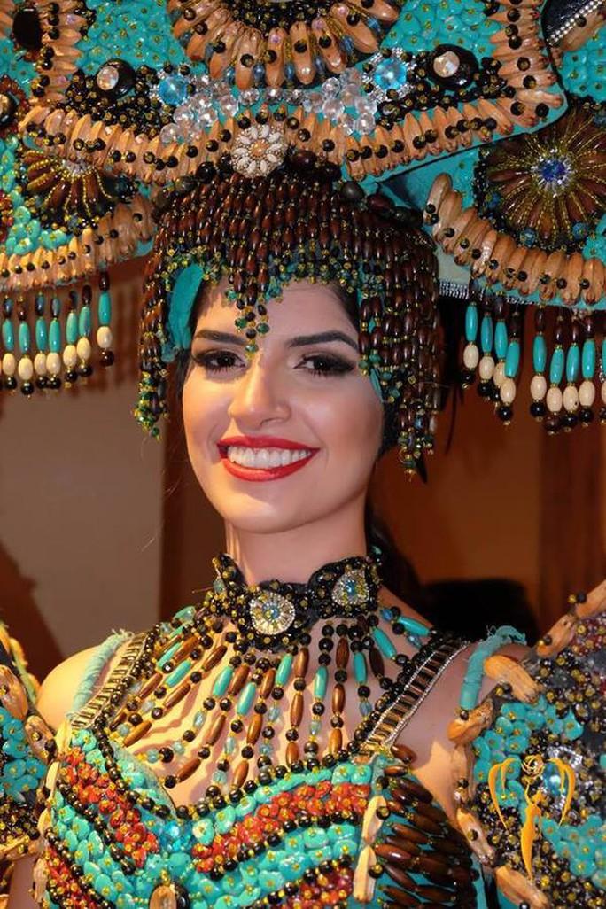 Nguyễn Phương Khánh thắng giải vàng trang phục dân tộc cuộc thi Hoa hậu Trái đất - Ảnh 7.