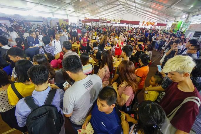 Hàng trăm món ngon tại Lễ hội ẩm thực châu Á - Ảnh 2.