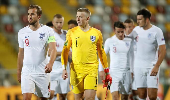 Tấn công đồng đội, Sterling bị loại khỏi tuyển Anh - Ảnh 6.