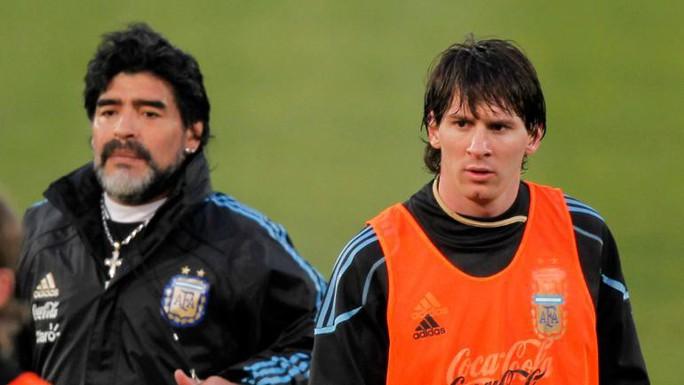 """Maradona: Hãy thôi """"thần thánh hóa"""" Messi - Ảnh 1."""
