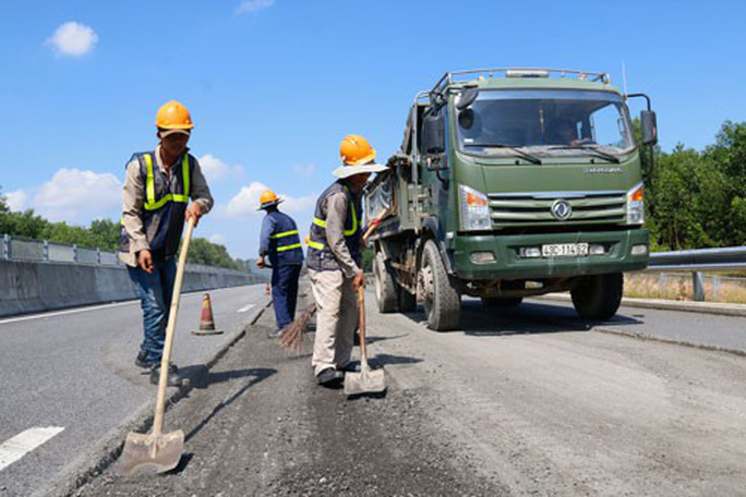 Đường cao tốc Đà Nẵng - Quảng Ngãi: Bán thầu cho công ty kém năng lực - Ảnh 1.