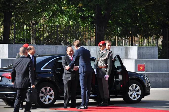Thủ tướng Việt Nam và Áo khẳng định tầm quan trọng của hòa bình, ổn định ở Biển Đông - Ảnh 1.