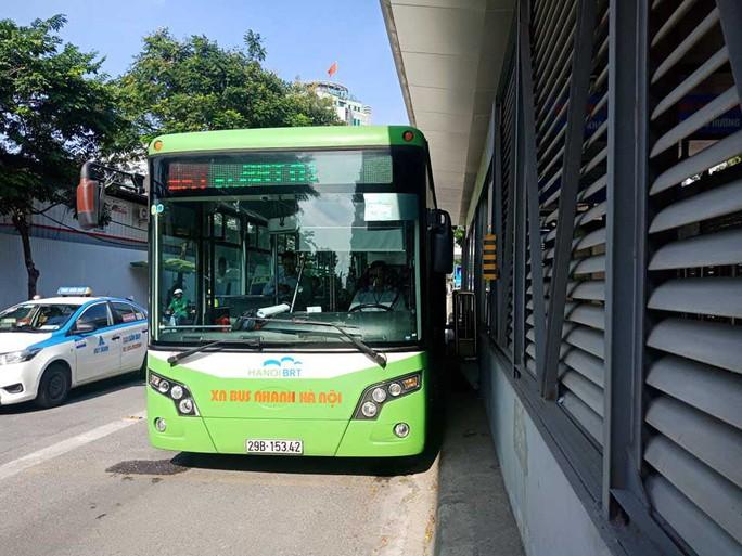 BRT Hà Nội tiền to, hiệu quả kém - Ảnh 1.