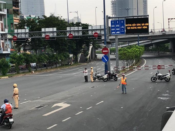 Đã xác minh ra chủ xe tải gây họa ở hầm sông Sài Gòn - Ảnh 2.