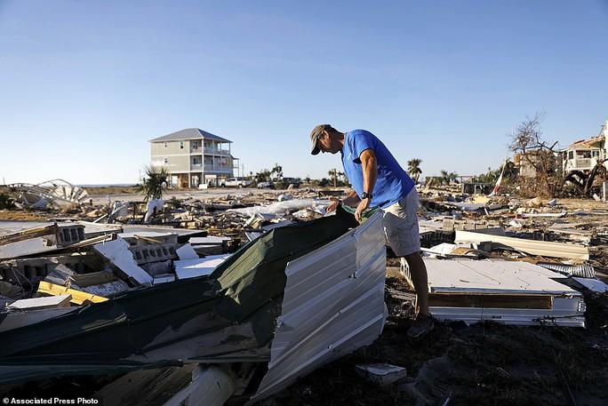 Mỹ: Bão Michael xô đổ nhà hàng loạt, chỉ 1 căn vững vàng - Ảnh 3.