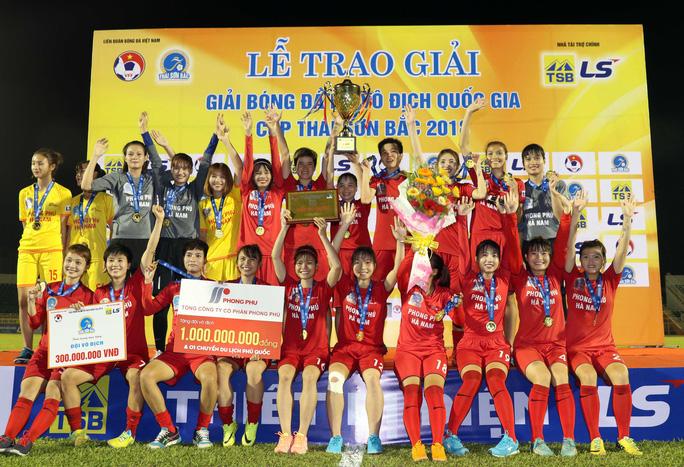 Phong Phú Hà Nam thắng TP HCM 1, lần đầu vô địch bóng đá nữ Việt Nam - Ảnh 14.