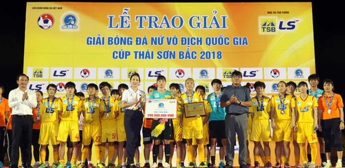 Phong Phú Hà Nam thắng TP HCM 1, lần đầu vô địch bóng đá nữ Việt Nam - Ảnh 12.
