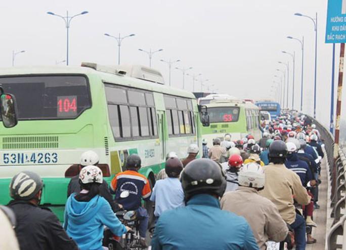 BRT TP HCM nhìn từ thất bại của BRT Hà Nội - Ảnh 1.