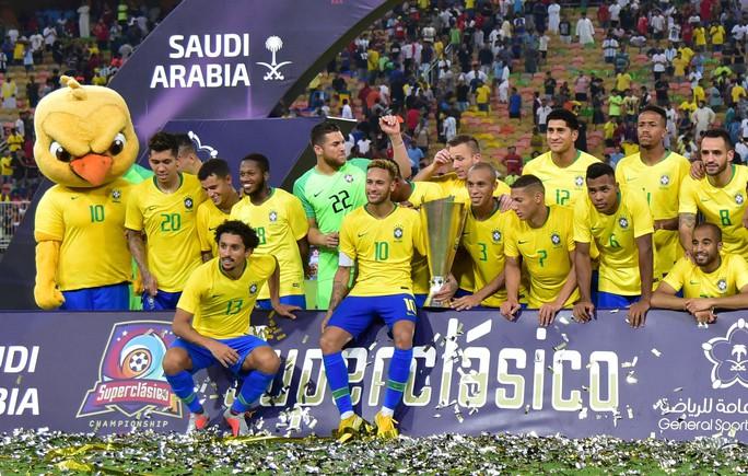 Brazil thắng nghẹt thở Argentina, đoạt cúp Super Clasico  - Ảnh 5.