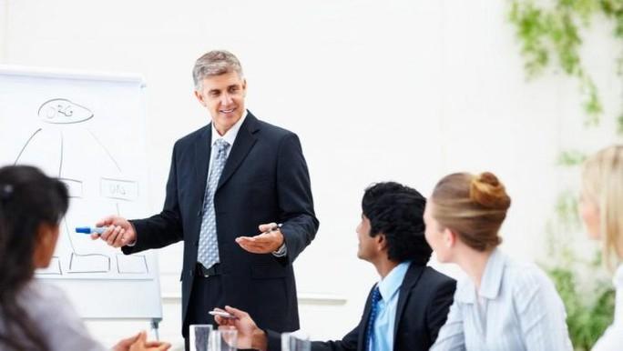 Soi biểu hiện, đoán tính cách sếp khi phỏng vấn - Ảnh 2.