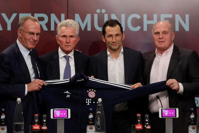 Bayern Munich họp bất thường, bổ nhiệm HLV Wenger? - Ảnh 1.