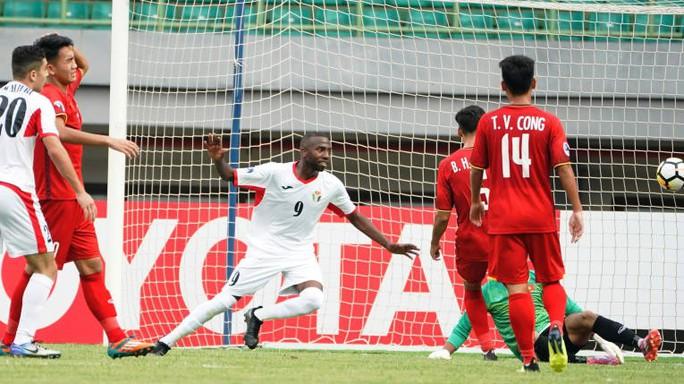 Clip U19 Việt Nam thua ngược phút cuối, Thái Lan hòa kịch tính Iraq - Ảnh 4.
