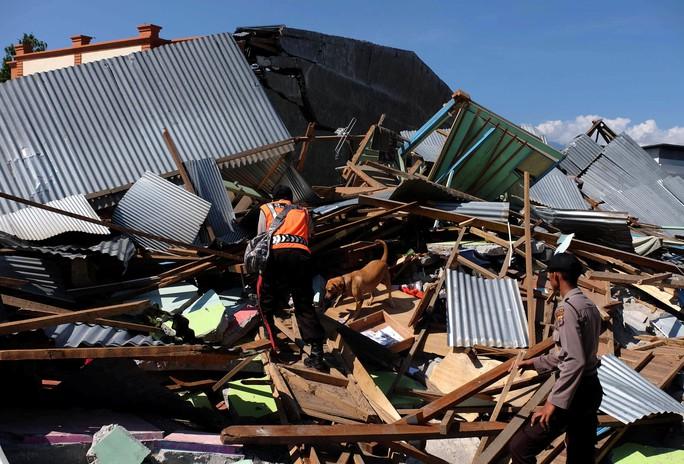 Hệ thống cảnh báo sóng thần Indonesia bị đứt đoạn cuối - Ảnh 2.