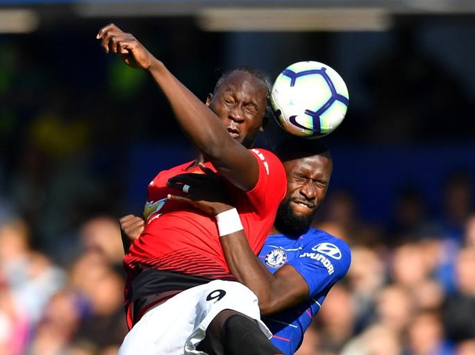 Mourinho chấp nhận lời xin lỗi sau vụ nổi nóng với trợ lý HLV Chelsea - Ảnh 3.
