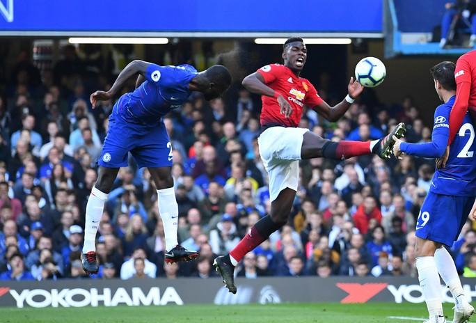 Mourinho chấp nhận lời xin lỗi sau vụ nổi nóng với trợ lý HLV Chelsea - Ảnh 4.