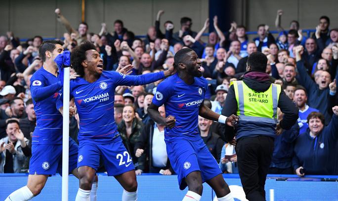 Mourinho chấp nhận lời xin lỗi sau vụ nổi nóng với trợ lý HLV Chelsea - Ảnh 5.
