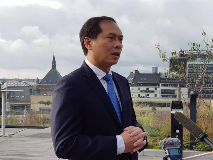7 ngày tại châu Âu, Thủ tướng Nguyễn Xuân Phúc có 70 bài phát biểu - Ảnh 1.