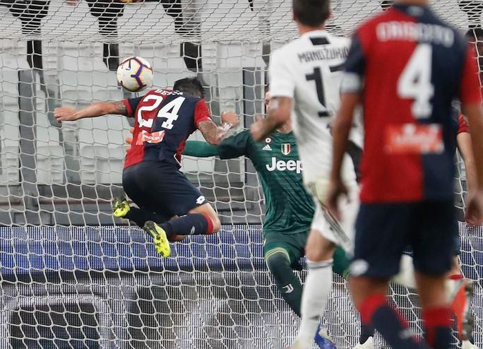"""Ronaldo lập kỷ lục ghi bàn trong ngày """"vui không trọn vẹn"""" - Ảnh 2."""